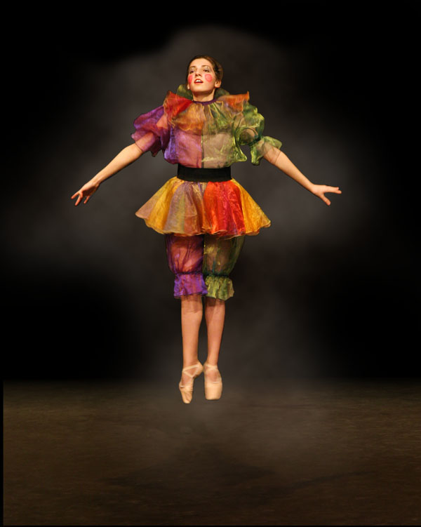 dancer4b Creating Smokey Dancer (Using Lighting/Texturing Effects)